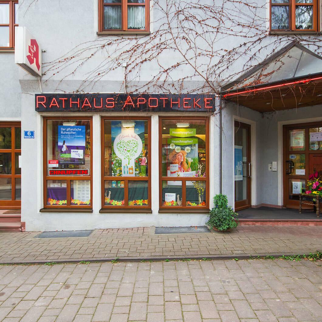 Rathaus Apotheke außen